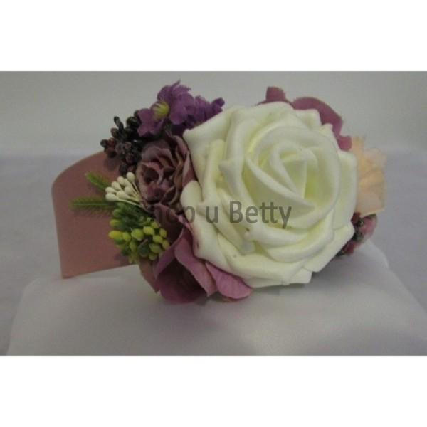 3f9ff8234091 Čelenka s květy pudrová SV52 - Shop u Betty